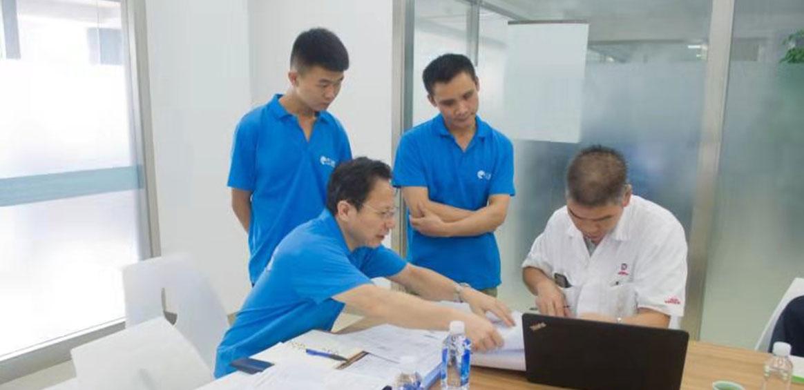 Lãnh đạo kỹ thuật của Wuyang Honda đến thăm Công nghệ Yongmei để tiến hành kiểm tra và hướng dẫn công việc